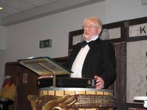 Heinz Schier als Geigenspirituose